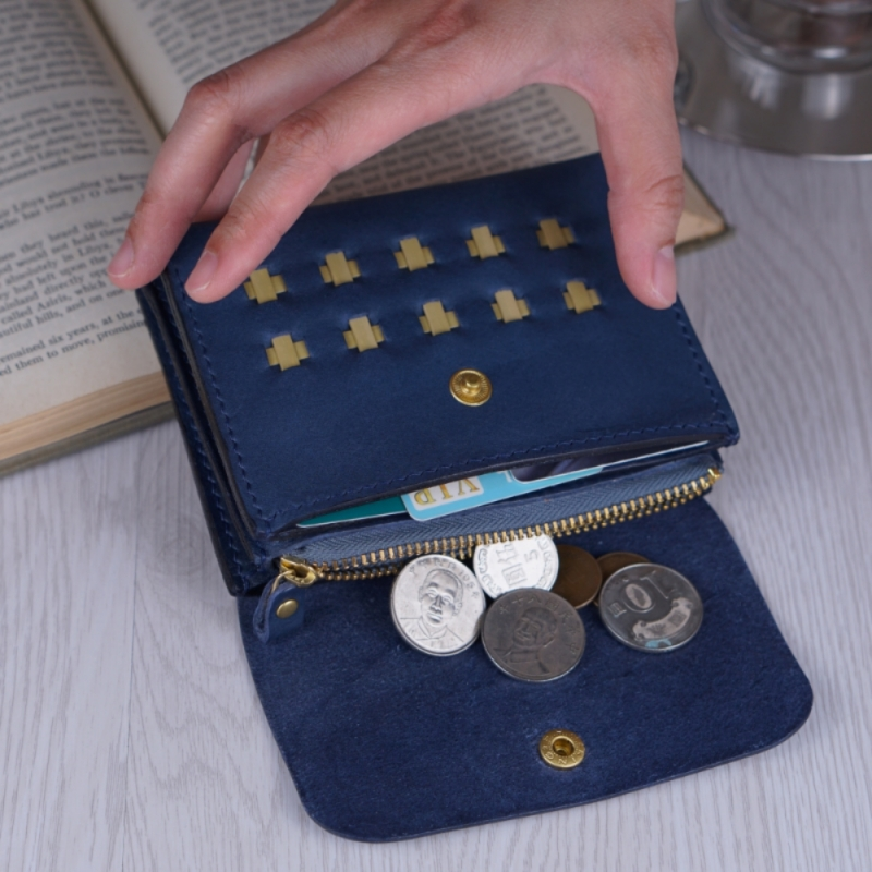 accordion wallet and change